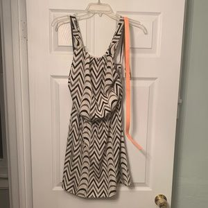 City triangles dress with belt